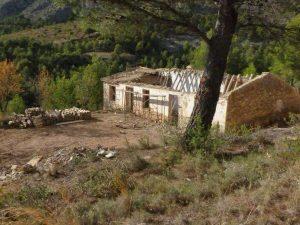 Maset Mira antes de la restauración de la ruina