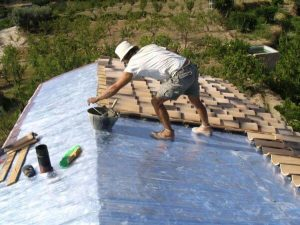 Roof tiles on special insulation
