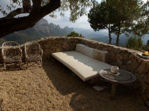 terrace with stone margin
